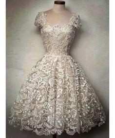 Women's Short Sleeve Vintage Scoop Neck Lace Dress