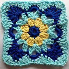 Tutorial Mattonella a uncinetto quadrata con fiore