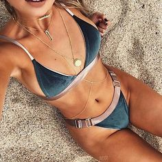 Women's Halter Bikini - Patchwork - USD $13.57 ! HOT Product! A hot product at an incredible low price is now on sale! Come check it out along with other items like this. Get great discounts, earn Rewards and much more each time you shop with us!