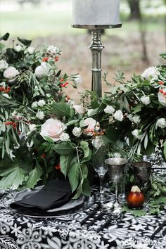 WedLuxe – All Hallows' Eve – Wedding Inspiration | Photography: Crystal Hahn Photography Follow @WedLuxe for more wedding inspiration!