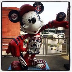 18 Cleveland Indians Mickey Statue Mlb Mickey Mouse