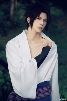 Never seen a Sasuke cosplay as good and hot as this b4