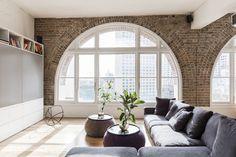 Visita guiada: apartamento mescla estilo escandinavo e industrial