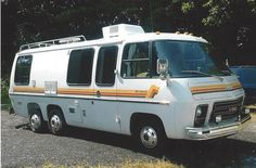 Welcome to the original GMC Motorhome Marketplace (gmcmm). The GMCers source for information. A list of GMC Motorhomes for sale. Vintage Motorhome For Sale, Gmc Motorhome For Sale, Cool Campers, Campers For Sale, Rv Campers, Vintage Trailers, Camper Trailers, Vintage Campers, Travel Trailers