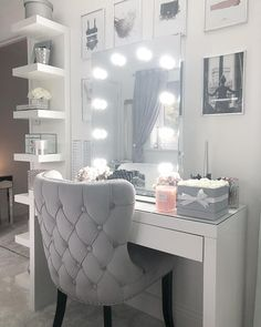 34 Most Comfortable Makeup Room with Mirror Decoration for Women - Make-up-Zimmer Bedroom Decor For Teen Girls, Teen Room Decor, Room Ideas Bedroom, Makeup Room Decor, Cute Room Decor, Aesthetic Rooms, Dream Rooms, My New Room, House Rooms