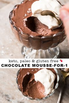 This (fairly instant!) keto chocolate mousse is an ideal no-bake low carb treat to whip up year round. Serve it extra chilled for balmy summer days, and keep it going year-round as a satisfying and comforting chocolate treat. Paleo Dessert, Keto Desserts, Dessert Mousse, Dessert Recipes, Quick Keto Dessert, Keto Friendly Desserts, Keto Snacks, Keto Chocolate Mousse, Gluten Free Chocolate