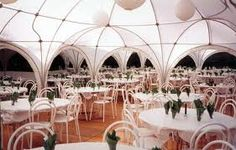 The tent... the multipavillion... 100 guests... in the garden. Green - beautiful - the people we love. It's all about love!