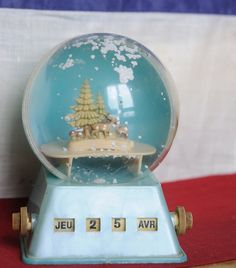 Vintage French Snow Dome and Calendar by foreverfrench on Etsy, €16.95