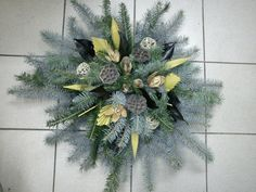 Fotogalerie » Dušičková vazba Nové [18/49] Funeral, Plants, Art, Flower Arrangements, Basteln, Craft Art, Kunst, Plant, Gcse Art