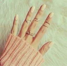 There are 5 tips to buy these jewels. Wire Rings, Gold Rings, Rings Tumblr, Triangle Ring, Nail Ring, Knuckle Rings, Tribal Jewelry, Jewelery, Jewelry Accessories