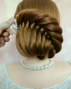 Bun Hairstyles For Long Hair, Braids For Long Hair, Braided Hairstyles, Hair Updo, Summer Hairstyles, Front Hair Styles, Medium Hair Styles, Natural Hair Styles, Hair Style Vedio