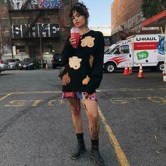 #Kehlani kicking off #BreastCancerAwarenessMonth sporting a @msoriginals sweater  #support #Boobiesgang #slutwalk #savetheboobies #womenempowerment #artist #handpainted #unity #nudity #women #proudwoman #breastcancer #cancer #awareness #la #amberrose
