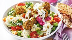 Falafel Salad, Falafel Recipe, Cooking Broad Beans, Tasty Cauliflower, Vegetarian Recipes, Healthy Recipes, Create A Recipe, Canned Chickpeas, Salad Bowls