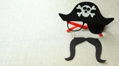 DIY Pirate-Themed Glasses for Halloween / Costume Parties! YouTube Tutorial: https://youtu.be/SdbGIx8oDz4