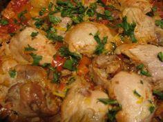 İtalyan Usulü Capri Tavuk  -  Pınar Ergen #yemekmutfak.com Tavuğun domates, sarımsak, baharatla tatlandırılıp, fesleğen ve mozarella peyniri ile sunulduğu İtalyan mutfağına özgü çok lezzetli bir yemek tarifidir.