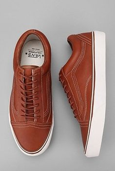 Google Bilder-resultat for http://fixiebikemarket.files.wordpress.com/2011/10/vans-california-leather-old-skool-reissue-brown.png