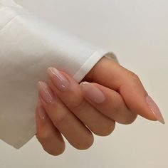 Want some ideas for wedding nail polish designs? This article is a collection of our favorite nail polish designs for your special day. White Manicure, Manicure Y Pedicure, White Nails, Black Nail, Manicure Ideas, Nude Nails, Acrylic Nails, Glitter Nails, Pink Nails