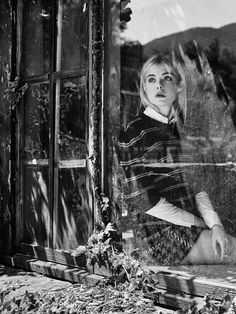 Portrait through a window Coming Of Age: Elle Fanning by Billy Kidd for The Edit Magazine September 2015 - Miu Miu Fall 2015 sweater and skirt Ellie Fanning, Fanning Sisters, Dakota And Elle Fanning, Billy Kidd, Portraits, Poses, Coming Of Age, Fall 2015, Black And White Photography