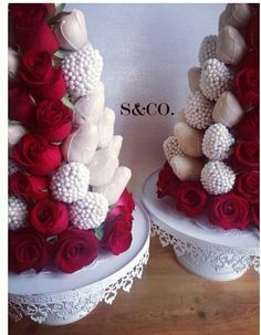 Choc covered strawberries with real roses perfect for a wedding