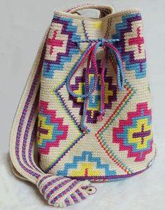 이미지 보기 : 네이버 카페 Tapestry Crochet Patterns, Crochet Motif, Crochet Hooks, Mochila Crochet, Crochet Handbags, Crochet Bags, Tapestry Bag, Diy Handbag, Art Bag
