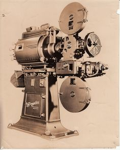 All sizes | Photo 8x10: Simplex E-7 projector with Peerless Magnarc Lamp, SH-1000 sound mechanism, Simplex Heavy Duty pedestal | Flickr - Ph...