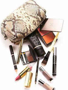 Your Travel Make-Up Kit