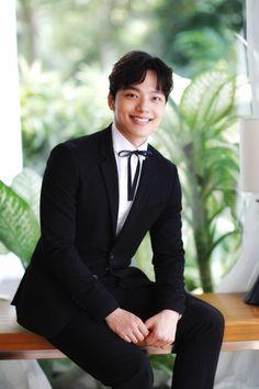 Hot Actors, Actors & Actresses, Jin Goo, Sad Movies, Handsome Korean Actors, Joong Ki, Child Actors, Kdrama Actors, Kim Min