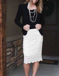 White Lace Skirt, black tops, pearls and black flats or heels Office Fashion, Work Fashion, Modest Fashion, Skirt Fashion, Cream Lace Skirt, White Lace Skirt, Lace Skirt Outfits, Look Office, Cute Skirts