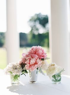 Photography : Karen Hill Photography | Floral Design : In Full Bloom by MJL Read More on SMP: http://www.stylemepretty.com/2016/12/21/family-focused-wedding-day/