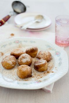 Buñuelos de viento en sirop (choux pastry in syrup): This dessert only takes 15 minutes to make! Its a dish mostly served during Lent in the Dominican Republic but can be enjoyed anytime of the year.