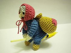 This is my first pattern. I made this little doll for a contest of an amigurumi italian web site and I would like to share the instructions.
