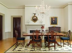 The formal dining room has Kentucky Classical furniture in cherry dating to ca. 1820–30; the floorcloth was made by the owner. A rare Southern huntboard sits to the right of the fireplace.  Mantel love