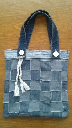 Jeans viejos reciclados. Cartera denim.