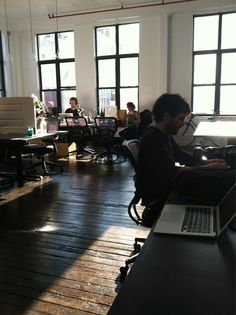 We are very excited to move into the new Sitesimon office at Projective Space LES!!