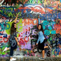 Czeched the John Lennon Wall off of our bucket list ✔️ #studyabroad #Maastricht #studytour