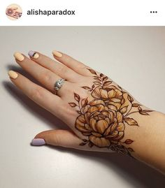 50 Most Attractive Rose Mehndi designs o try - Wedandbeyond Pakistani Mehndi Designs, Modern Mehndi Designs, Unique Mehndi Designs, Wedding Mehndi Designs, Beautiful Mehndi Design, Latest Mehndi Designs, Indian Mehendi, Khafif Mehndi Design, Floral Henna Designs