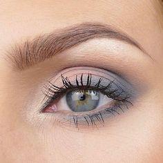 Grey Eyeshadow, Eyeshadow Looks, Makeup Eyeshadow, Eyeshadow Ideas, Eyebrow Makeup, Face Makeup, Make Up Looks, Eyeliner, Eyebrows