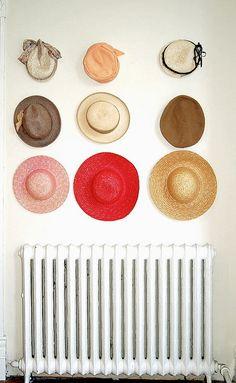 julia topaz hat wall