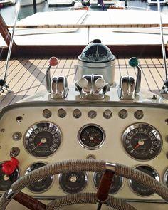 Cabin Cruiser, Chris Craft, Motor Yacht, Espresso Machine, Coffee Maker, Kitchen Appliances, Warm, Constellation, Home