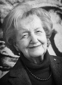 Brenda Milner (1918) est une professeure canadienne de neuropsychologie née à Manchester, Angleterre. Elle est considérée comme l'une des pionnières de la neuropsychologie cognitive. Auréolée de prix– à peu près seul le Nobel lui a échappé–, elle est toujours, à presque 100 ans, chercheure et professeure à l'Institut neurologique de Montréal.