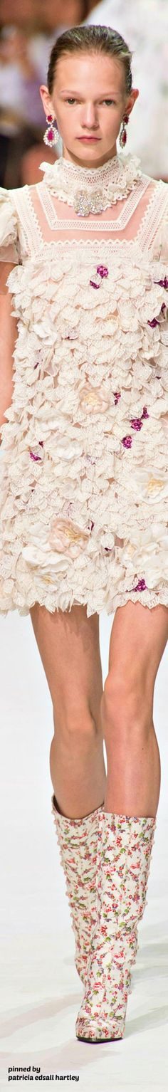 Giambattista Valli - Fall 2017 Couture