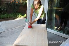 How to build a white modern desk with miter saw and kreg jig 1 Small White Desk, Modern White Desk, White Desks, Diy Wooden Projects, Wooden Diy, Home Projects, Diy Wood Desk, Diy Desk, Diy Furniture Cheap