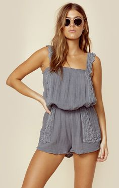The Jen's Pirate Booty Zig Zag Willow Romper features crochet trim, elasticated waist and neckline, and a gauzy cotton fabrication.   Made in MexicoHand Wash100% CottonFit Guide:Model is 5ft 7 inches;