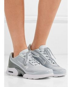 Nike - Air Max Jewell Leather-trimmed Mesh And Plastic Sneakers - Silver - Mens New Years Eve Outfit Milan Fashion Weeks, New York Fashion, Teen Fashion, Fashion Models, Japan Fashion, London Fashion, Runway Fashion, Fashion Women, Fashion Shoes