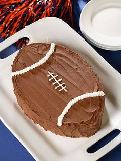 50 Easy Birthday Cake Ideas - Six Sisters Stuff Easy Kids Birthday Cakes, New Birthday Cake, Birthday Ideas, Football Birthday Cakes, Sons Birthday, Birthday Recipes, Cupcakes, Cupcake Cakes, Chocolate Footballs