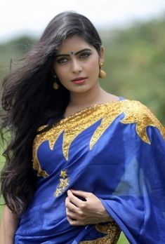 Simply Sexy and cute saree girls clips