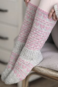 My friend- Colorwork socks with hearts. Diy Crochet And Knitting, Knitting Socks, Hand Knitting, Knitting Patterns, Knit Socks, Work Socks, Leg Warmers, Mittens, Fabric