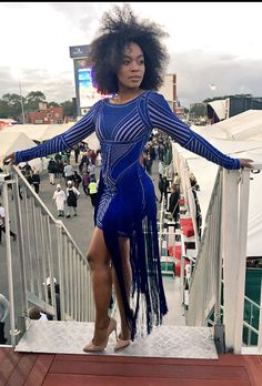 Video: Nomzamo Mbatha dressed Blue Hervè Leger bodycon at Durban July 2016 Beautiful South African Women, Beautiful Black Women, Fashion Themes, Herve Leger, Blue Dresses, Celebs, Outfits, Clothes, High Heels