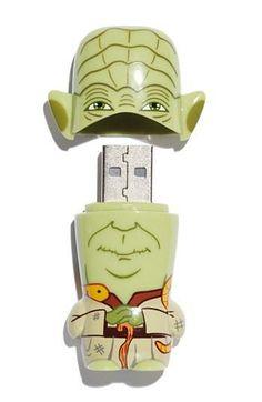Feel the force. Yoda Star Wars Thumbnail Drive.