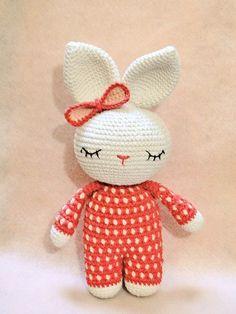 ♥ Amigurumi Coneja dormilona con pijama by Loveri ♥